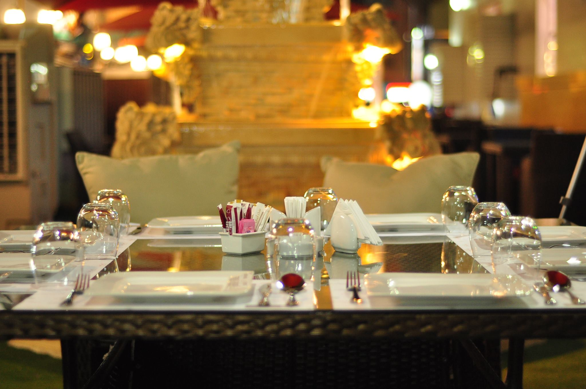 Chebogz filipino restaurant in abu dhabi is what you re for Ristorante cipriani abu dhabi